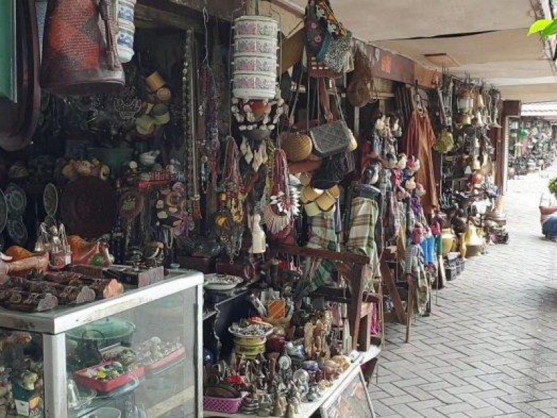 Pasar Barang Antik Cikini